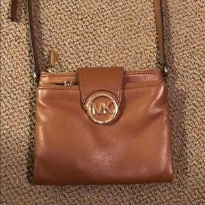 Michael kors brown leather purse crossbody